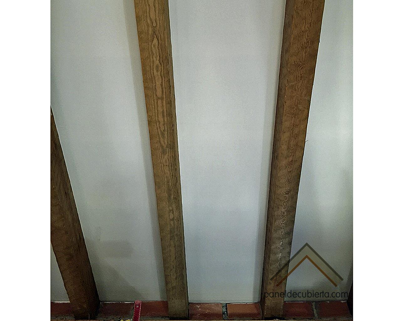 Panel de cubierta acabado cartón yeso knauf rematado y pintado por Gurpel Construcciones.
