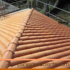Paneles de madera para tejados y cubiertas for Montaje tejados de madera