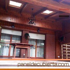 Remates de panel de cubierta en porche de alta gama