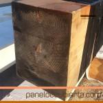 Viga laminada preparada para su mecanizado y soporte de panel de madera.