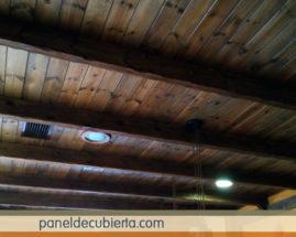 Aquí paneles prefabricados de madera para cubiertas, entreplantas y trasdosados.. Acabado decorativo friso aislante interior.