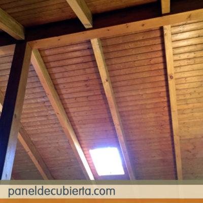 El mejor precio panel sandwich de madera con núcleo aislante. Panel de madera interiores Madrid. Precio m2 panel de madera para cubiertas y tejados Madrid. Colocación de pizarra natural.