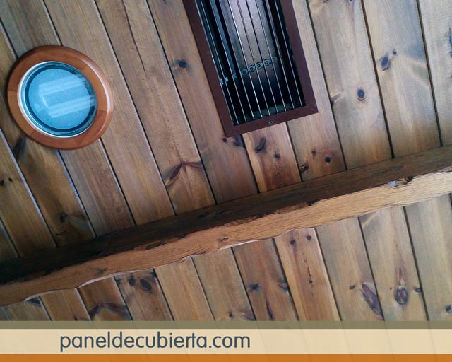 Fotos de techos de madera rústicos con aislamiento térmico. Paneles para tejados Madrid.