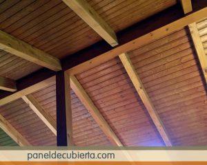 Madera para cubiertas Madrid. Los paneles sandwich de madera con núcleo aislante y acabados decorativos.