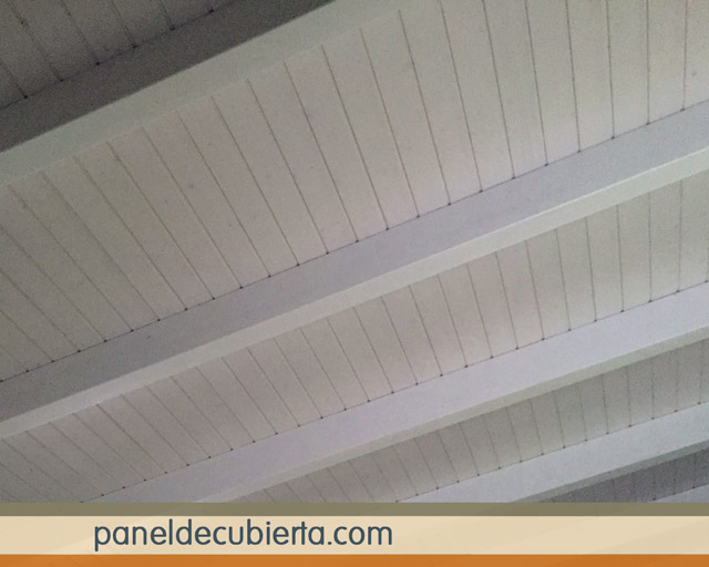 Precioso panel de madera terrazas y porches - Friso blanco pared ...