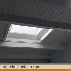 Panel de cubierta con acabado en madera - Material para tejados ...