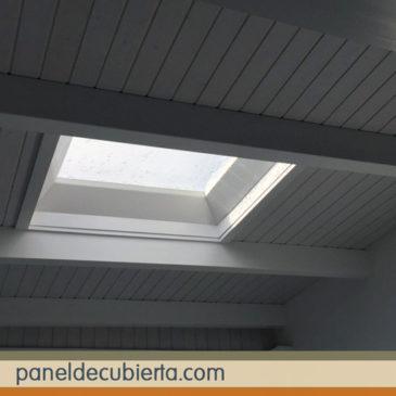 Moderno material de cubiertas. Panel de madera para cubiertas y tejados.