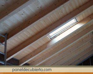 Panel de cubierta acabado de friso pino natural. Panel madera cubiertas.