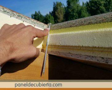 Fijación panel-esctructura de madera: tornillo panel sandwich.
