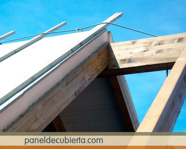 Rastrel vertical sobre panel.